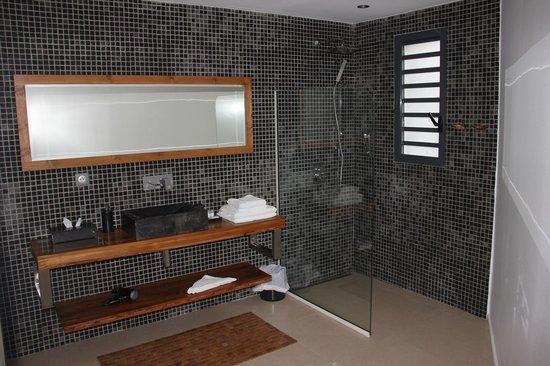 La Toubana Hotel & Spa: une des deux salles de bain de la suite