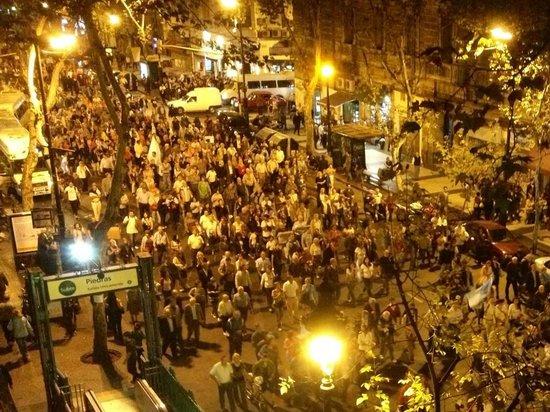 Gran Hotel Hispano: Peaceful Demonstration Outside Balcony