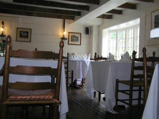 Waterwheel Restaurant : Upper Dining area