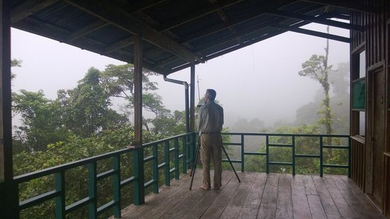 ‪‪San Gerardo Biological Station‬: taking picture on the porch‬