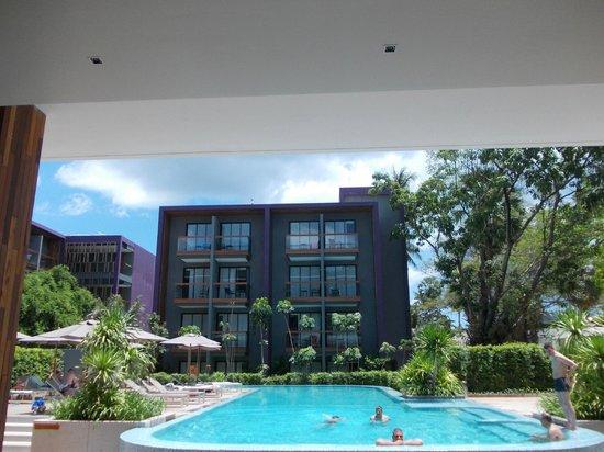 Holiday Inn Express Phuket Patong Beach Central: hotel view
