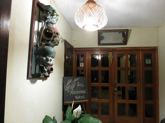 Hotel Los Nazarenos: Entrance