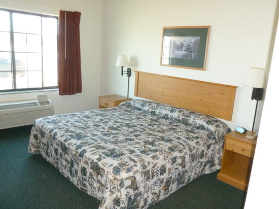 White Oak Inn & Suites: King Room
