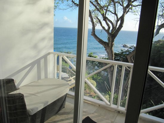 Bacolet Beach Club: Blick auf Balkon und Atlantik