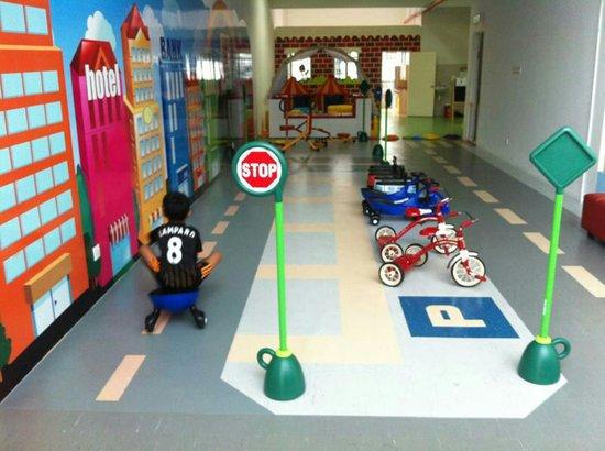 Little Play Loft Imaginative PlayGym : getlstd_property_photo