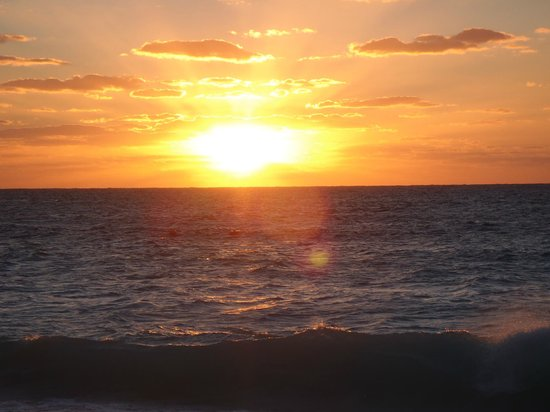 Cayman Reef Resort: The sunsets are THE BEST!