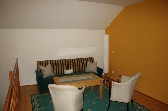 Schlosshotel Mondsee: oberes Stockwerk des Zimmers