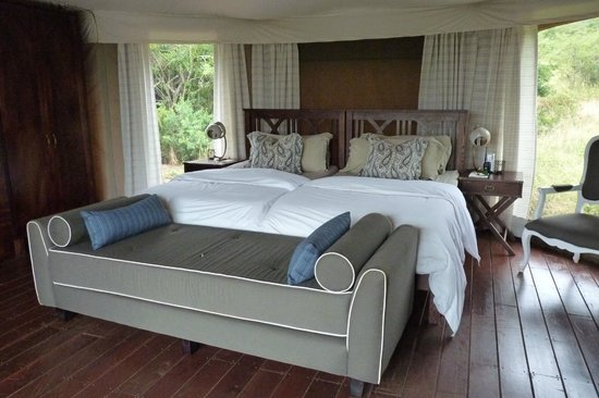 Thanda Safari: Tented camp room