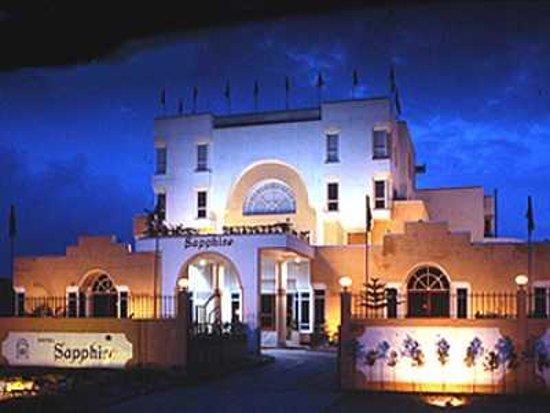 Yamunanagar India  city photos : Grey Pelican Yamunanagar, India Hotel rústico Opiniones ...