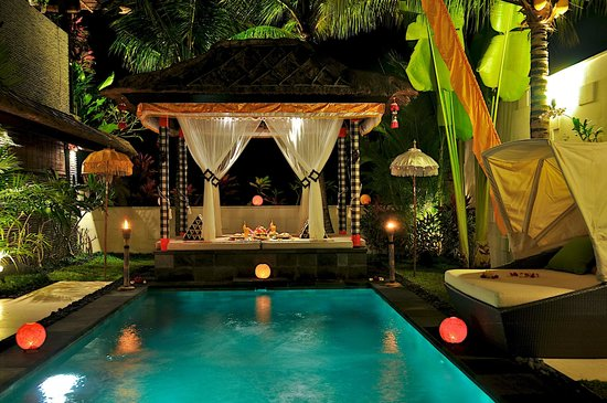 The Zala Villa Bali: party night and decorations at villa