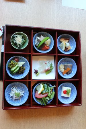 Ryoan Namiroku : 朝食