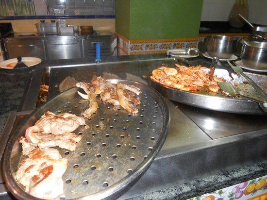Playamarina Spa Hotel: Cocina en vivo