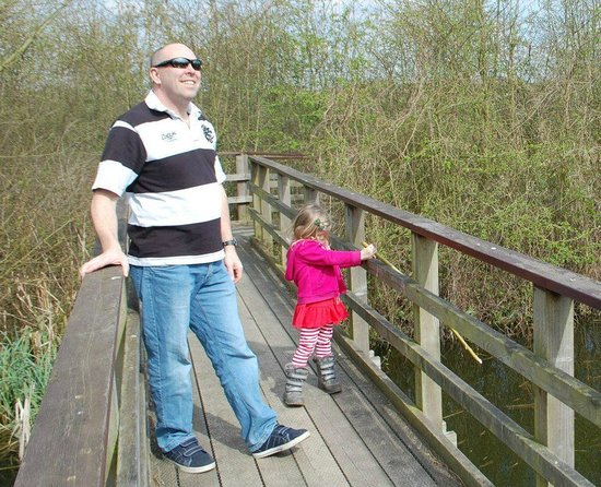 Rye Meads Nature Reserve: Nature walk for families - Go do it !