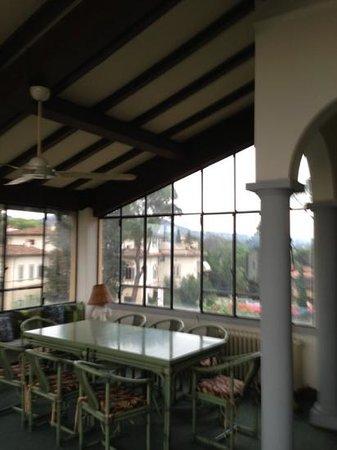 Villa La Sosta: la terrazza coperta zona comune
