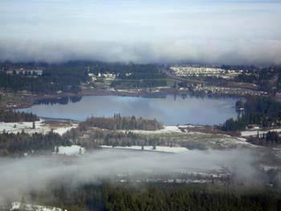 Brannen Lake RV Park and Campsite: View of the lake in the winter