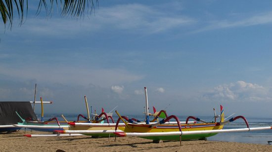 Sila's Bali Tours - Day Tours: Balinese  boats on Sanur beach