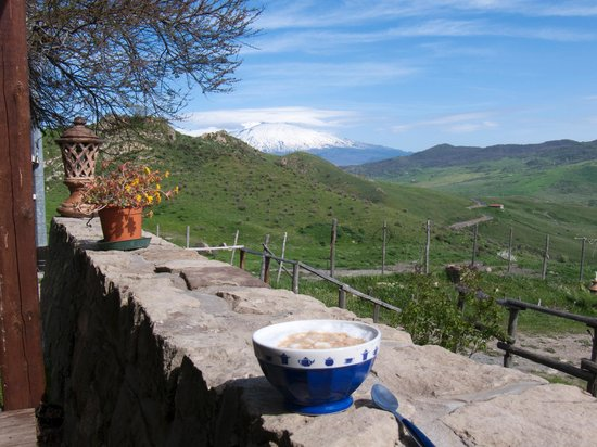 Turismo Rurale Leanza: Blick zum Etna