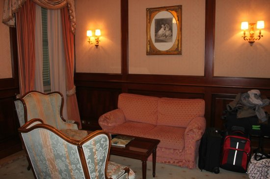 Albergo Terminus Hotel: Our living room