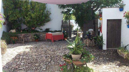 Cortijo Molino Los Justos: patio andaluz