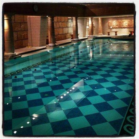 Radisson Blu Martinez Hotel, Beirut: Pool