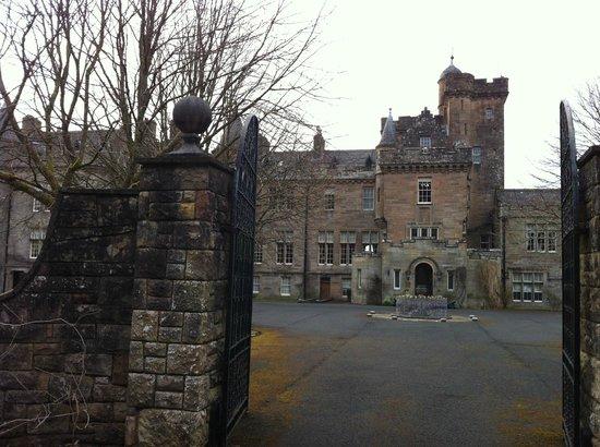 Glenapp Castle : Cour intérieure devant l'entrée du château