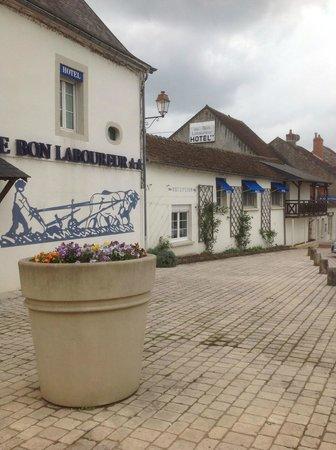 Hotel Le Bon Laboureur : facade exterieure