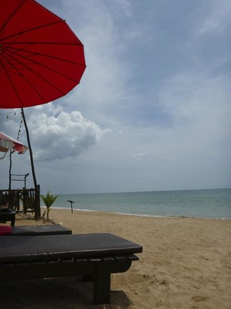 The Andamania Beach Resort: Lovely and quiet beach