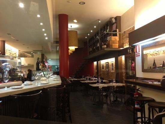 Rosal 34: Restaurant floor