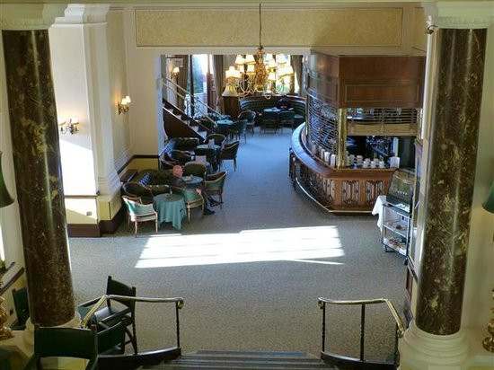 Chateau Impney Hotel & Exhibition Centre: Chateau Impney - internal from staris looking to bar