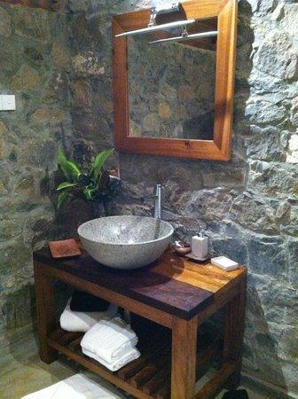 Living Heritage Koslanda: Bathroom
