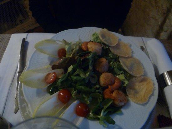 Le Moulin De Mitou : Salade de Saint Jaques - chips de Parmesan