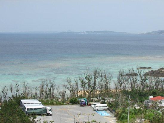 Okinawa Spa Resort EXES: 5階の部屋からの眺め 快晴だともっときれい