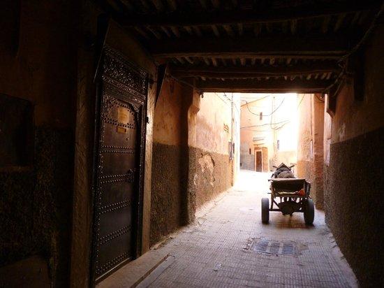 RIad Al Loune: Derb El  Cadi - Entrance to the Riad