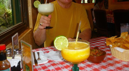 Polli's Mexican Restaurant: Margarita Time