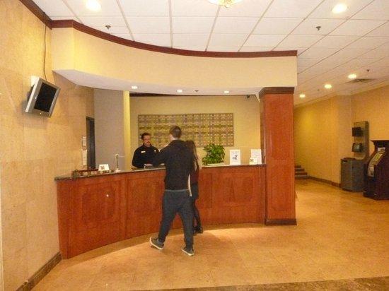 La Quinta Inn & Suites LAX: Recepcion
