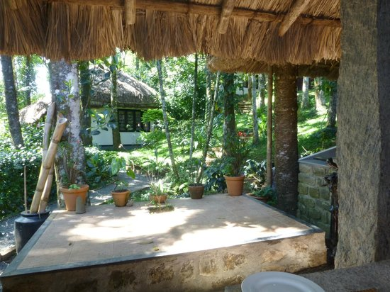 Shalimar Spice Garden - An Amritara Private Hideaway: Our favorite outside table view