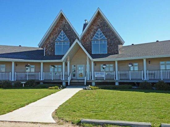 Prairie Breeze Inn, RV & Camping