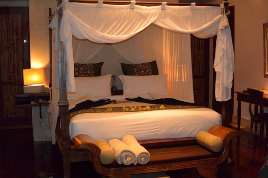 Jamahal Private Resort & SPA: Bungalow bed