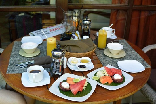 Jamahal Private Resort & Spa: Daily breakfast on the balcony