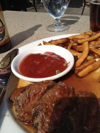 85 Main: steak and fries