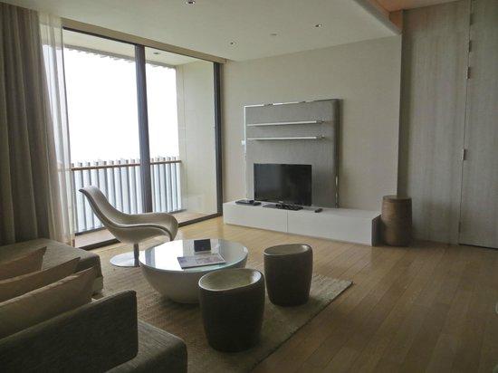 Hilton Pattaya: Suite living room