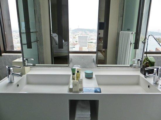 Hilton Pattaya: Great bathroom view