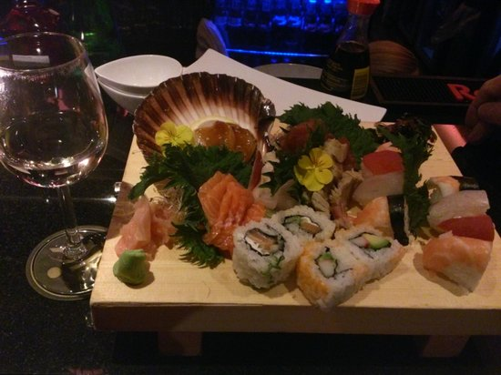 IKKI sushi plate