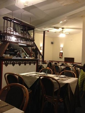 New Taxin Thai and Japanese Restaurant: hall
