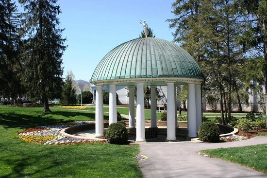 The Greenbrier: The Springhouse
