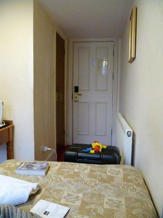 Pembridge Palace Hotel: とにかく狭い