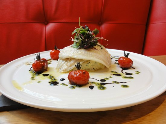 Prego Broadway: GRILLED FILLETS OF CORNISH LEMON SOLE, CRUSHED POTATOES WITH MASCARPONE AND CHIVES,  BALSAMIC RO