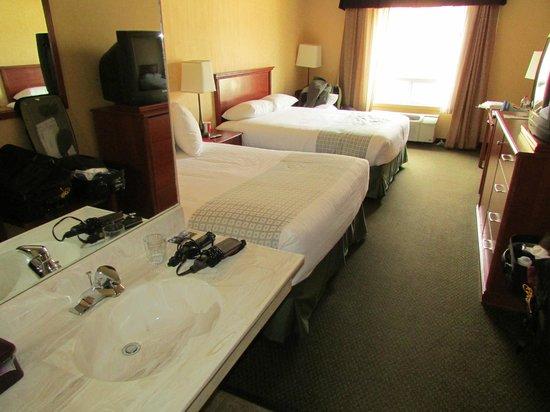 Merit Hotel & Suites: extra vanity