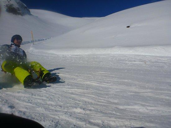 Grindelwald, Schweiz: Some dude passing