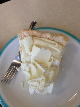 Hoosier Mama Pie Company: banana cream